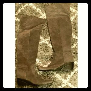 Nine West thigh knee high boots. Suede